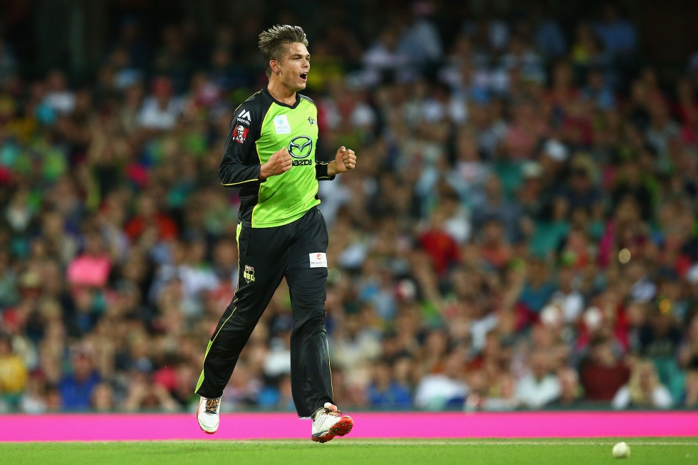 during the Big Bash League match between the Sydney Sixers and the Sydney Thunder at Sydney Cricket Ground on January 16, 2016 in Sydney, Australia.