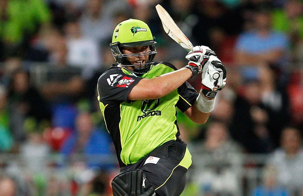 SYDNEY, AUSTRALIA - DECEMBER 28: Jacques Kallis of the Thunder plays a pull shot during the Big Bash League match between the Sydney Thunder and Adelaide Strikers at Spotless Stadium on December 28, 2015 in Sydney, Australia.  (Photo by Brendon Thorne/Getty Images)