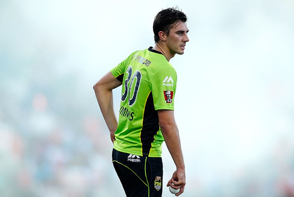 PERTH, AUSTRALIA - JANUARY 01:  Patrick Cummins of the Thunder prepares to bowl during the Big Bash League match between the Perth Scorchers and Sydney Thunder at WACA on January 1, 2015 in Perth, Australia.  (Photo by Will Russell/Getty Images)